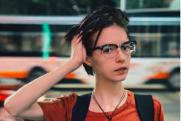 «Неправильное отношение»: психолог рассказал о раннем сексе дочери Ефремова