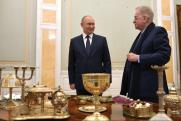 Смыслы недели: Путин в Петербурге, объединение регионов и продление праймериз