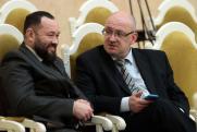 Кто из депутатов петербургского ЗакСа сменил партийность перед выборами
