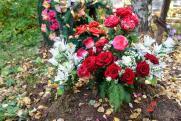 Пенсионерку задержали за поджоги могил в Петербурге