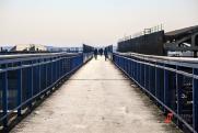 Власти рассказали о здоровье подростка, на которого с моста в Новосибирске упал мужчина