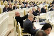 Политолог о резкой активности петербургской оппозиции: замахнулись на кресло спикера