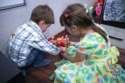 Психиатр рассказал о влиянии игрушек поп-ит и симпл-димпл на ребенка
