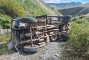 В Туве задержали водителя, который опрокинул грузовик с пассажирами