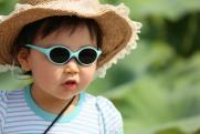 Родителям объяснили, почему ребенку необходимы солнцезащитные очки
