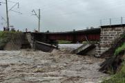 В Забайкалье из-за сильных дождей обрушился железнодорожный мост на участке Транссиба
