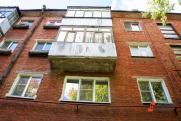 В Ноябрьске маленький ребенок выпал с балкона