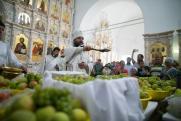 Что запрещено делать с освященными яблоками
