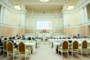 В заксобрании Петербурга обсудят законопроекты о маткапитале и СНТ