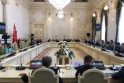 «Со спрятанными депутатскими поправками надо заканчивать»: депутат о работе над бюджетом Петербурга