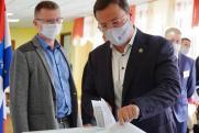 Самарский губернатор Дмитрий Азаров проголосовал на парламентских выборах