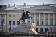 В Петербурге «Медного всадника» утеплили «зимними» лесами