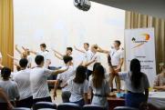 «Роснефть» помогает нижневартовским школьникам смело шагать по лестнице к успеху
