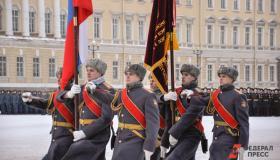 Городу-герою посвящается… На Дворцовой площади Санкт-Петербурга прошел военный парад
