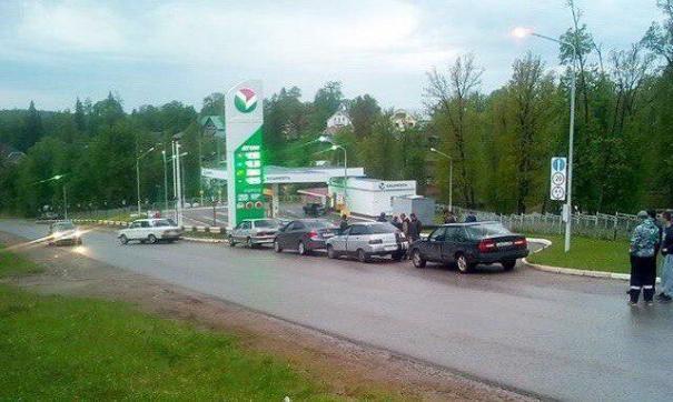 В Башкирии автомобилисты заблокировали АЗС, протестуя против повышения цен на бензин | Республика Башкортостан
