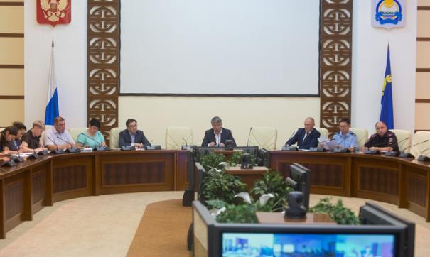 Алексей Цыденов провел совещание по проблемам лесопользования с общественниками в правительстве республики