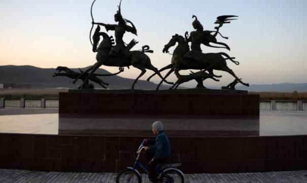 Скульптура «Царская охота» символизирует единение Тувы и России