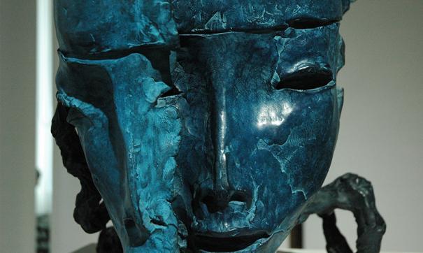В Иркутске состоялась премьера Даши Намдакова, скульптора с мировым именем