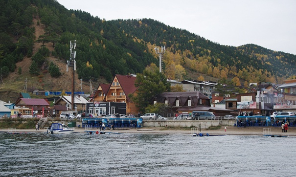поселок Листвянка на Байкале