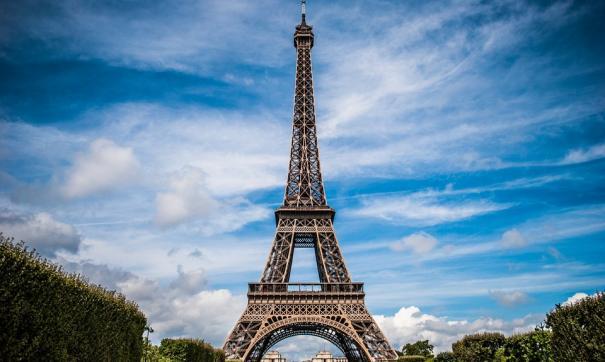 Персонал Эйфелевой башни закончил забастовку, достопримечательность снова доступна для туристов
