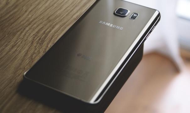 Юзеры Самсунг Galaxy Note9 жалуются напропускание света