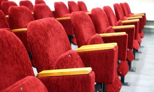 В РФ  хотят ограничить показ иностранного кино