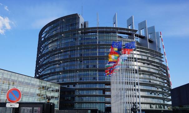 Крупнейшая фракция Европарламента предложила присудить Сенцову премию Сахарова