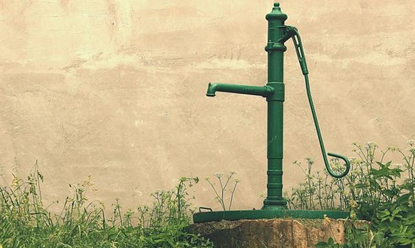 Жители Вихоревки больше полугода живут без воды