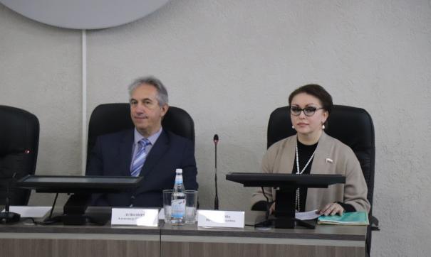 «Мне статус не позволяет»: саратовский министр отказалась жить на прожиточный минимум