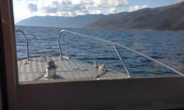 За вчерашний день спасатели обследовали более 2 тыс. кв. километров акватории