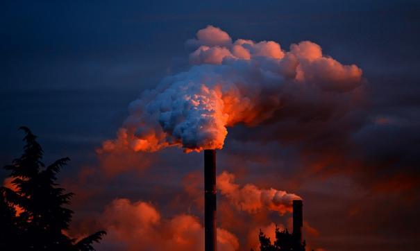 Жители Омска массово жалуются на запах газа