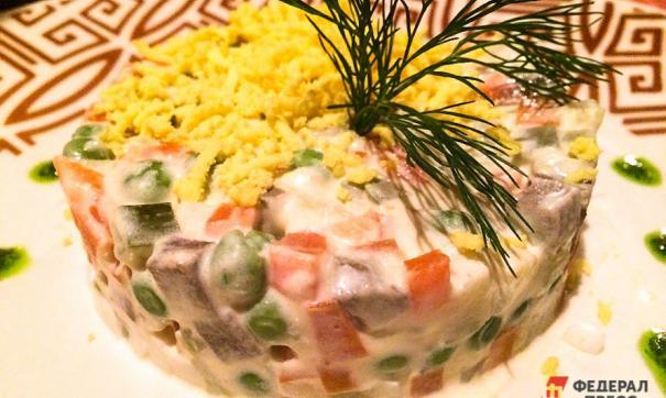 Традиционный новогодний салат оливье обойдется жителям Татарстана 382 рубля