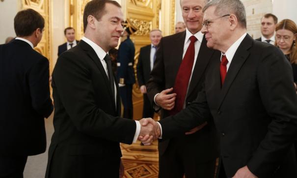 Чайка и Медведев