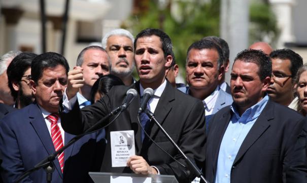 О проведении переговоров заявил лидер оппозиции Хуан Гуайдо