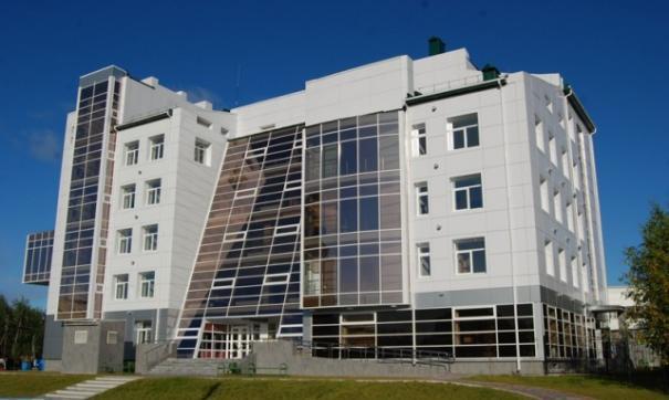 Охранник городской больницы Югорска оставил пациентов на улице в 33-градусный мороз.