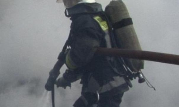 Люди выпрыгивали из окон загоревшегося бизнес-центра