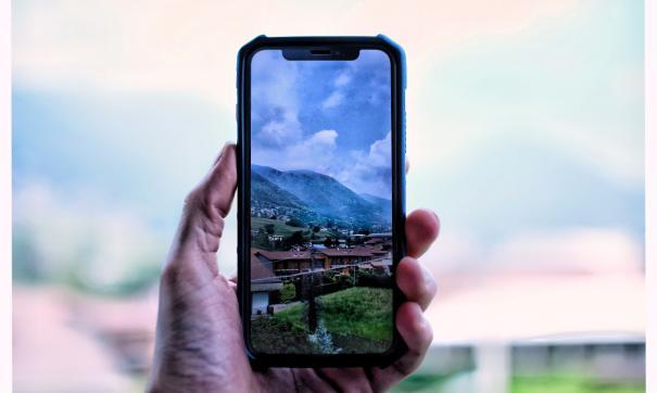 В новом iPhone XI с тремя камерами может появиться USB-порт