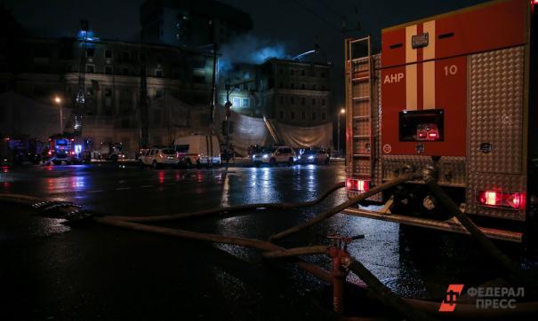 Восемь человек пострадали при пожаре жилого дома в Кемерово