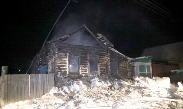 В Курганской области в горящем доме  погибли дети и женщина