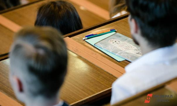 Нельзя даже акцента допускать, что образование можно заменить опытом, считает ректор