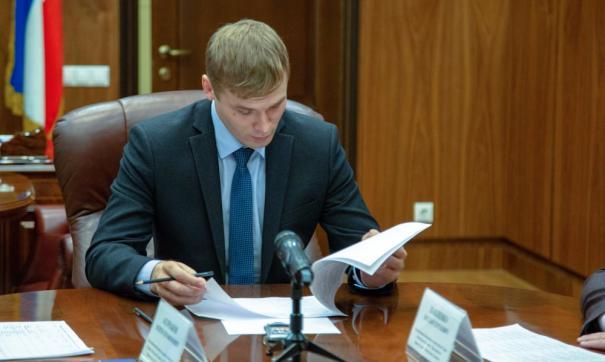 Валентин Коновалов не намерен отказываться от практики премирования чиновников