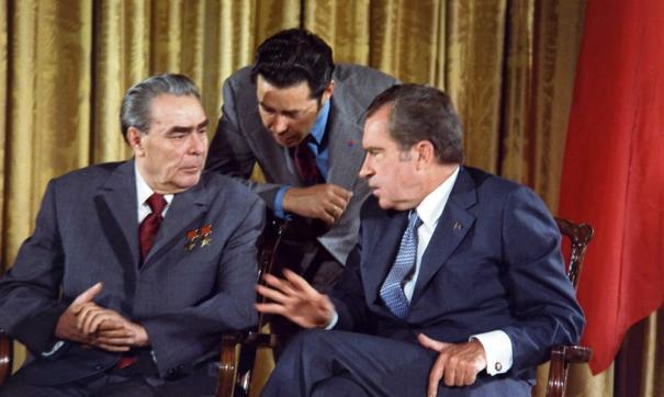 Стоимость некролога о смерти Брежнева - 200 рублей