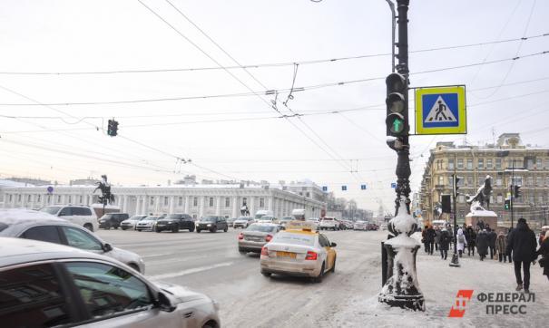 «Не меньше 100 км/ч». Очевидец рассказал о наезде BMW на пешеходов в Петербурге