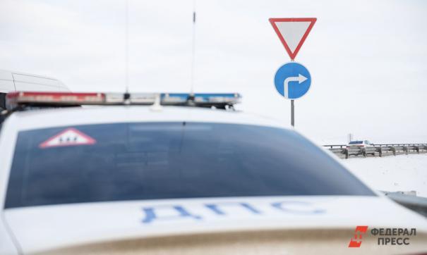 Бессилие и отвага: во Владивостоке инспектор ГИБДД обиделся на не пропустившую его машину