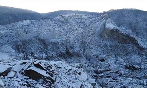 Не метеорит: хабаровские ученые назвали три фактора, которые привели к сходу оползня на Бурее