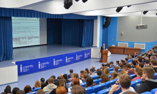Тюменские нефтяники рассказали студентам о работе в условиях Арктики