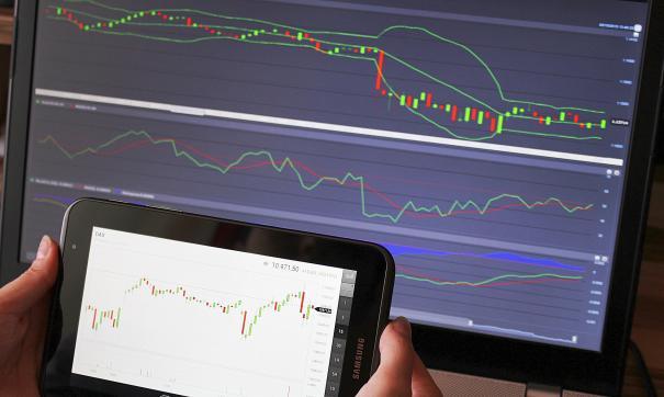 Антипинский НПЗ приступил к реализации автомобильных бензинов на бирже