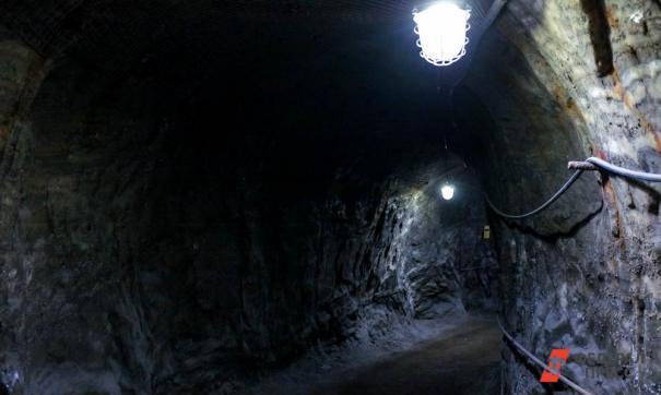 Во время обрушения шахты на Кузбассе погиб шахтер.