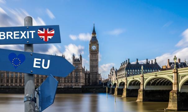 Голосование по Brexit провалено. Оппозиция требует отставки кабинета Терезы Мэй.