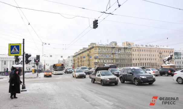 Петербургская полиция подтвердила, что виновник аварии на Невском был под действием веселящего газа и алкоголя